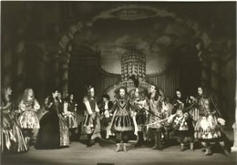 Black& White image of Gottingen's production of Giustino, 1994
